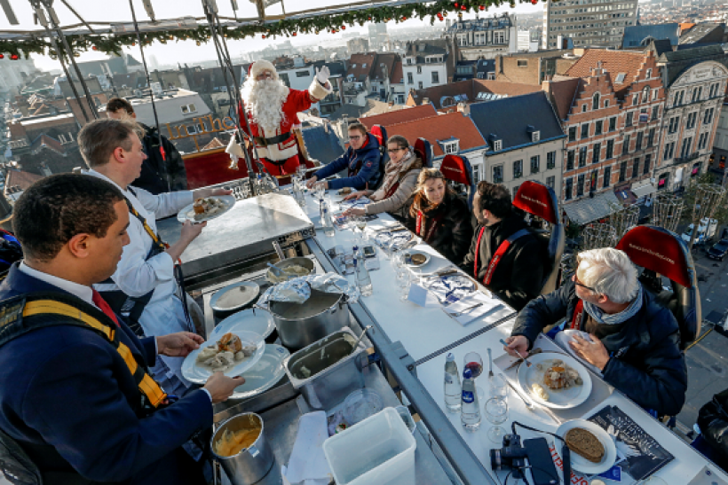 There are several restaurants offering holiday-themed specials on Christmas day.