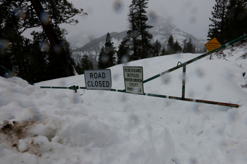 Heavy snowfall expected in areas of California surrounding Sierra Nevada.
