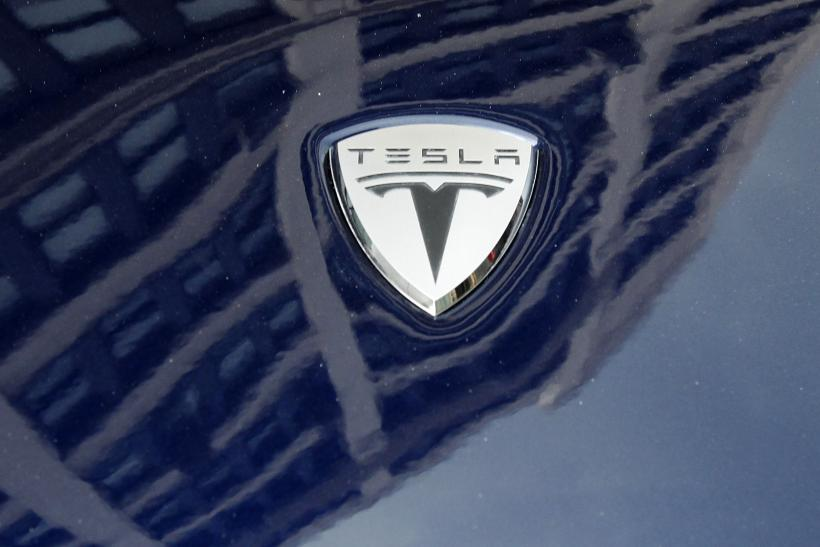 how much does tesla 39 s model x suv cost now. Black Bedroom Furniture Sets. Home Design Ideas