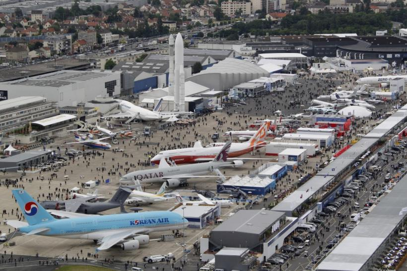 spectacular photos from the paris air show international