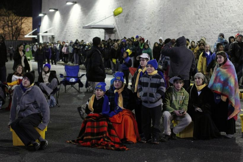 Black Friday 2011: Chaos Sweeps Nation on Retailers' Big Day