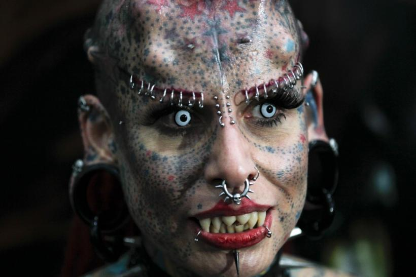 World-Famous Vampire Woman Makes Special Appearance at ...