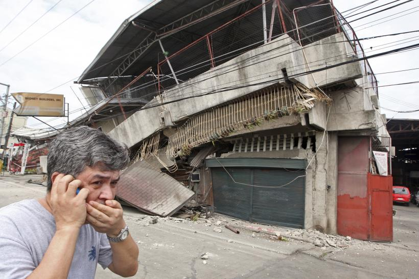 Philippines earthquake resident