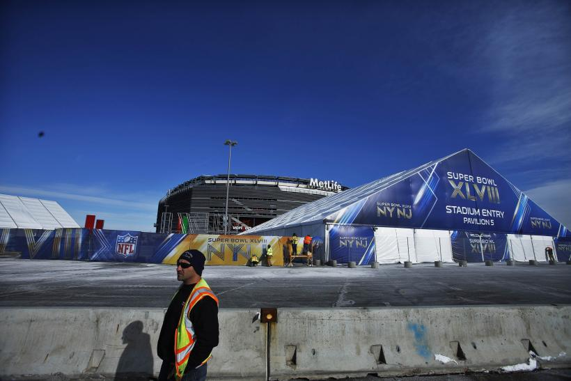 Super Bowl XLVIII Preparation Fence