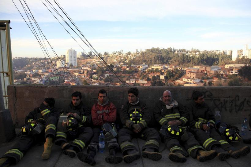 Chile Blaze - Firefighters  April 13