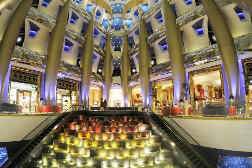 Dubai 39 s incredible architectural wonders for Burj al arab interior