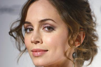 At the Consumer Electronics Show 2012 on Wednesday, actress and CES ambassador Eliza Dushku spoke with two Samsung executives, asking them to lend their support Tharce-Gulu, a charity for victims in Northern Uganda. She also gave an exclusive interview to