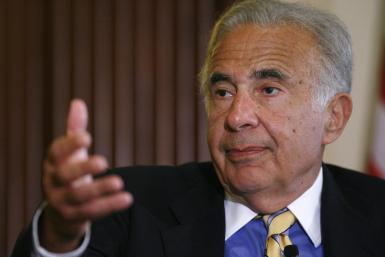 Carl Icahn sued Amylin Pharmaceuticals Inc to block enforcement of a bylaw that prevents the billionaire investor from launching a proxy fight that could lead to a sale of the maker of diabetes drugs.