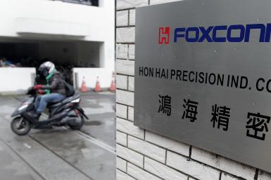 Foxconn Foxbots Apple iPhone 6