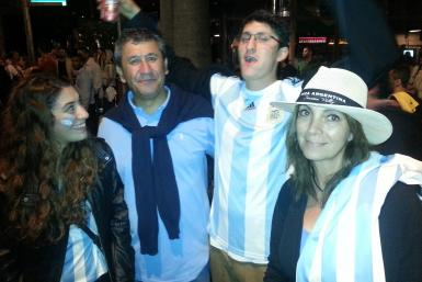 Gomez_Family-World Cup Final