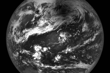 lro_view_of_earth_2012_solar_eclipse