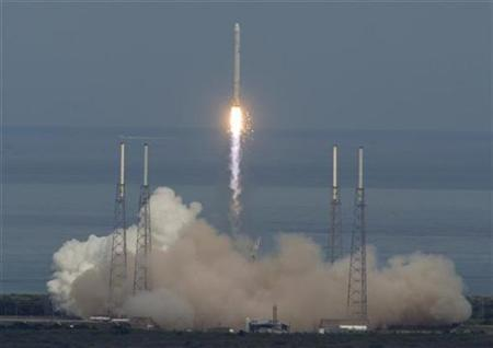 The SpaceX Falcon 9 rocket lifts off on its debut launch from launch complex 40 at the Cape Canaveral Air Force Station in Cape Canaveral, Florida