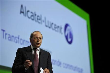 Alcatel-Lucent Chief Executive Ben Verwaayen speaks during the company's shareholders meeting in Paris