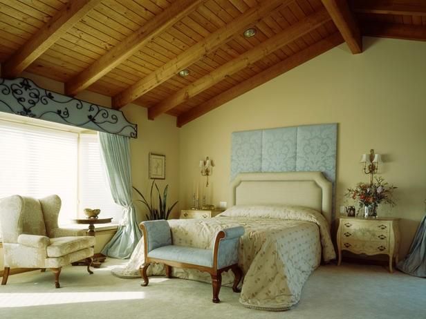 simon by loretta willis cottage bedrooms this master bedroom is