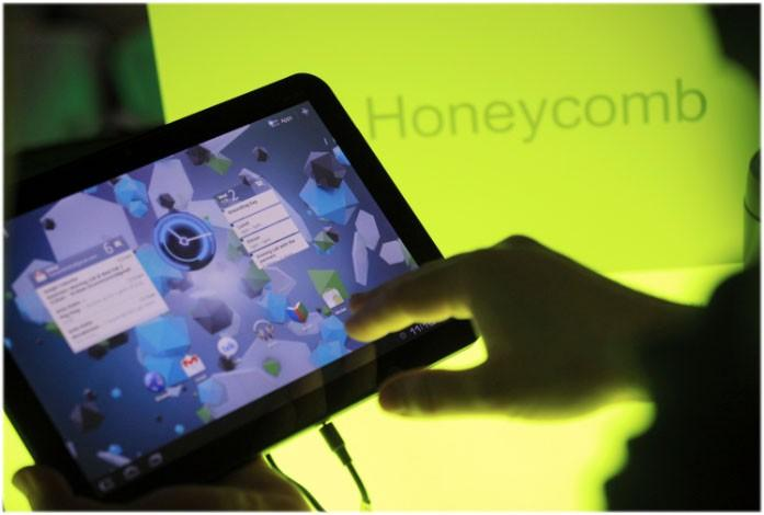 The home screen is shown on Google's latest Android operating system, Honeycomb, on a Motorola Xoom tablet device following a news conference at Google Headquarters in Mountain View, California February 2, 2011