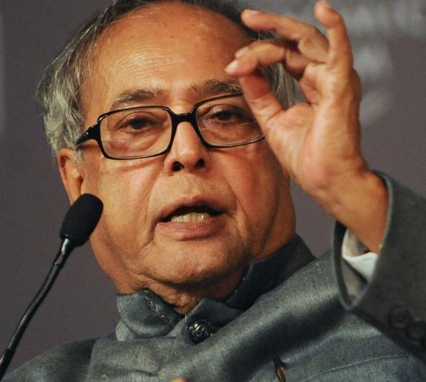 Indian Finance Minister Pranab Mukherjee is accused of proposing a timid budget that fails to tackle the country's structural problems