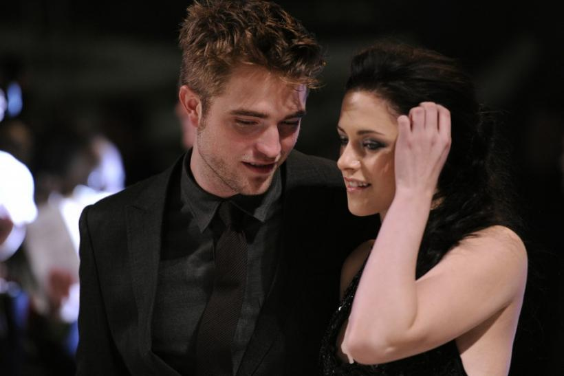 Actors Pattinson and Stewart arrive for the British premiere of 'The Twilight Saga: Breaking Dawn' at Westfield in   east London