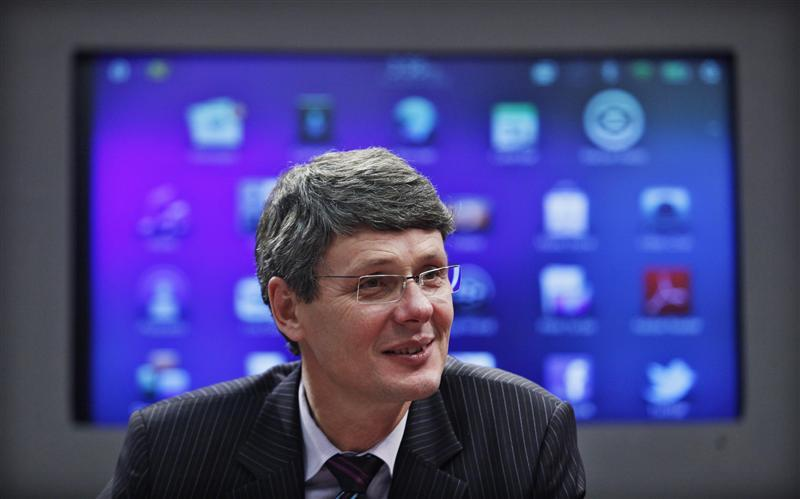 Research in Motion CEO Thorsten Heins is pictured during an interview with Thomson Reuters in New York, January 27, 2012.