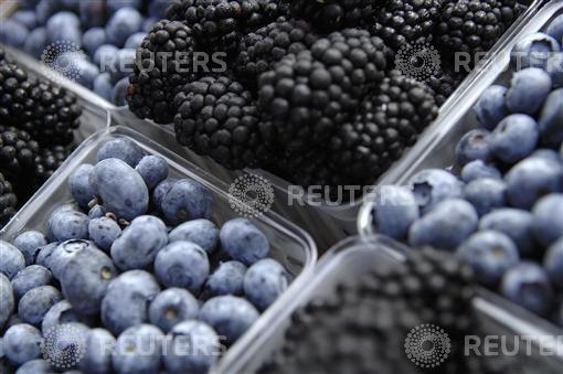 Study: Red Wine, Blueberries, Passion Fruit Aid Obesity and Weight Loss