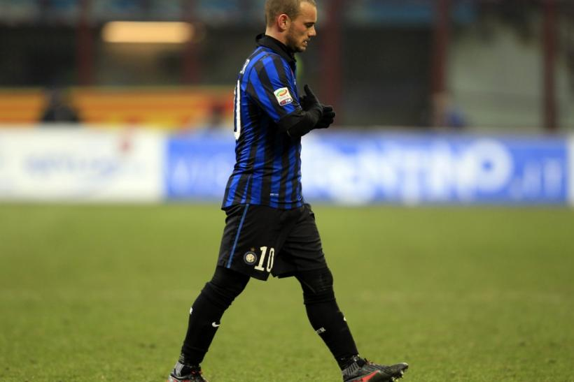 Manchester United could renew their interest in Wesley Sneijder, while the club has also been linked with moves for Iker Muniain, Javi Martinez and Jordi Alba.