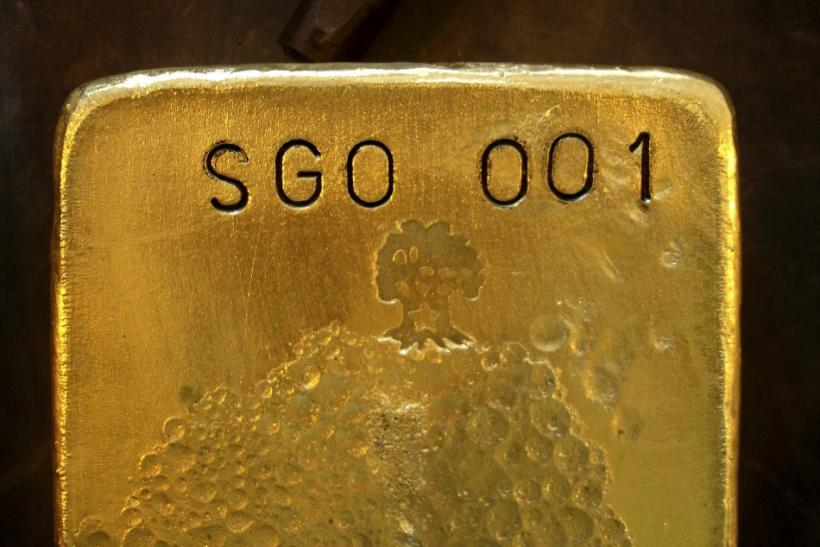 Gold Down, Hopes For Imminent Central Bank Actions Fade