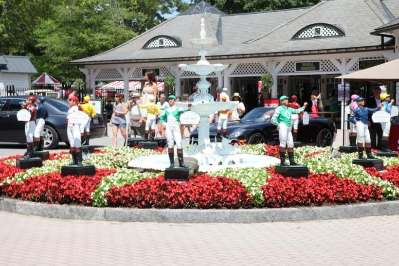 The gate to the Saratoga Race Course.
