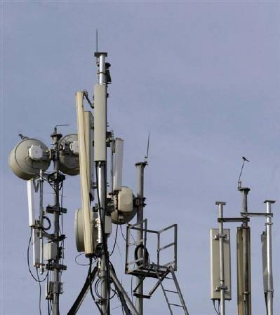 Hurricane Sandy: AT&T, T-Mobile To Share Network