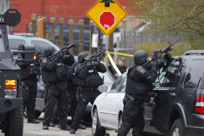 Boston Police SWAT aim 19April2013