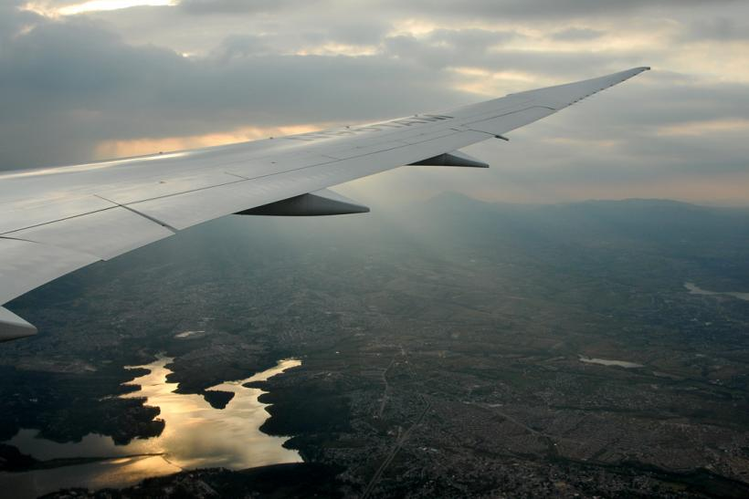 787 approaching Mexico City