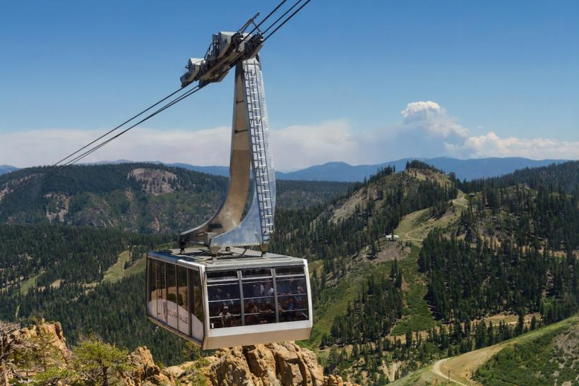Squaw_Valley_Gondola