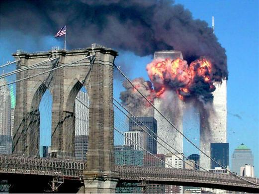 Images of the 9/11 attacks with the Brooklyn bridge