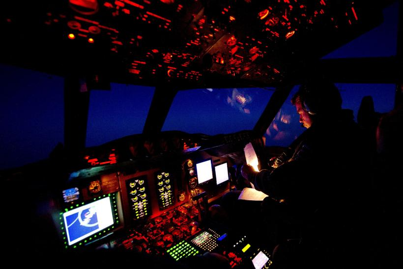 MH370 Search March 28 RNZAF Flight Deck