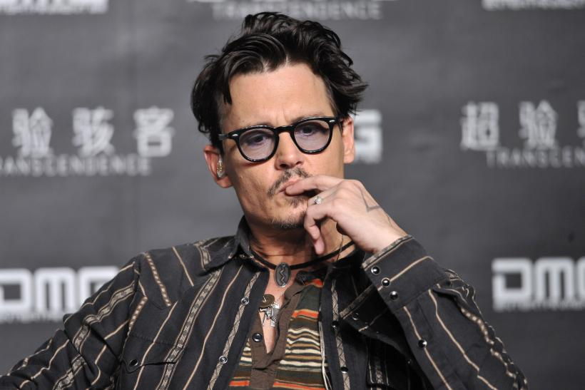 "Johnny Depp's ""chick ring"