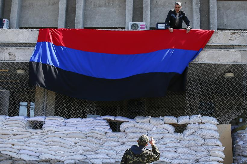 Ukraine Russia rebels flag 21April2014