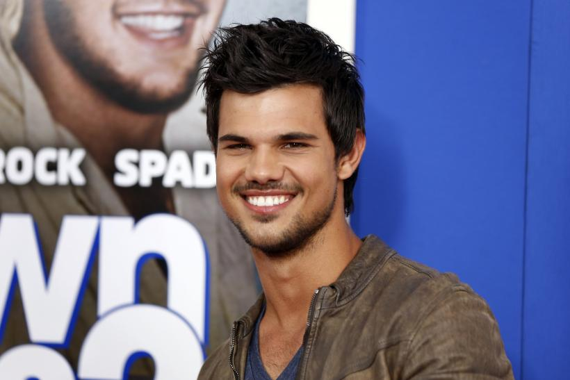 is taylor lautner dating anyone september 2015