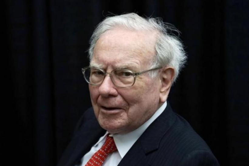 berkshire hathaway inc The federal reserve is reportedly looking into whether warren buffett's berkshire hathaway (brk-a) violated rules regarding how much a bank can extend in credit to insiders the reported investigation comes after buffett notified the fed in june that berkshire's stake in wells fargo had grown.