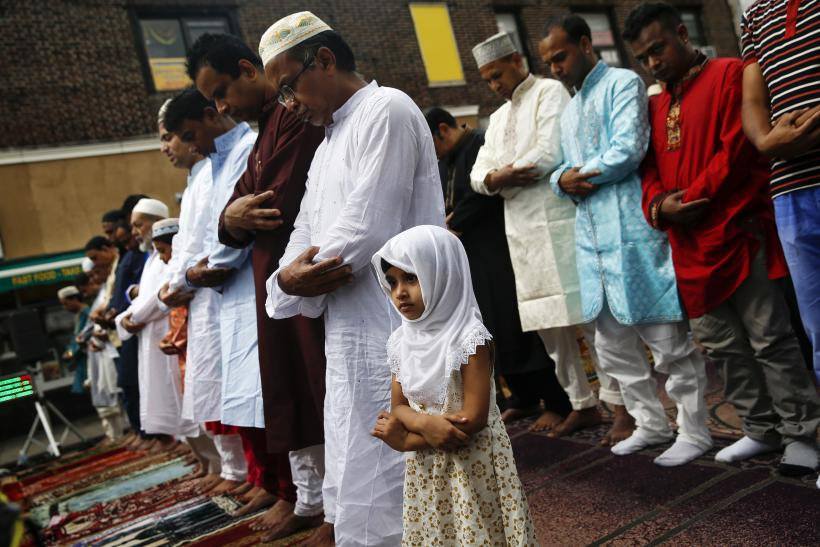 stapleton muslim (muslim worshippers pray during eid al-fitr services in the queens borough of new york july 28, 2014 reuters/shannon stapleton.