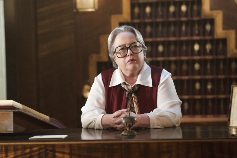 """Horror Story: Hotel"""" premiere introduced Iris (Kathy Bates), the Hotel"""