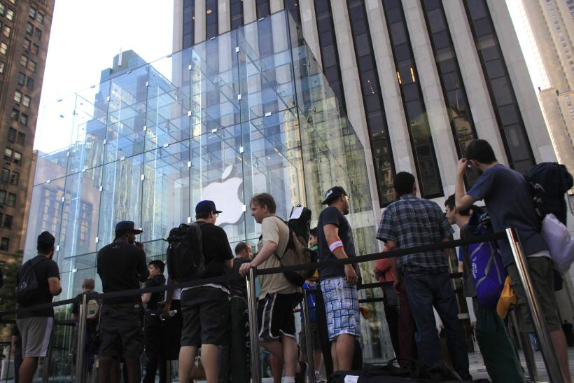 Behind The Scenes At An Apple Store On iPhone Launch Day