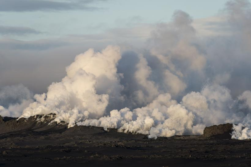 Bardarbunga Volcano 2014: Latest Eruption Leads Iceland To Again Raise Aviation Color Code To Red