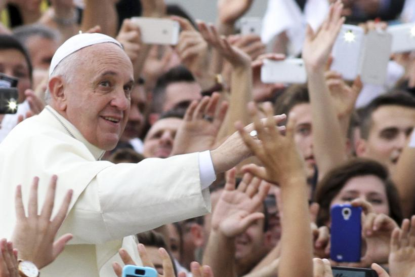 Pope Francis Condemns Islamic Extremist Groups In Speech