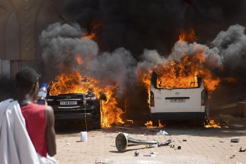 Amid Burkina Faso Violence, Transitional Government To Take Charge