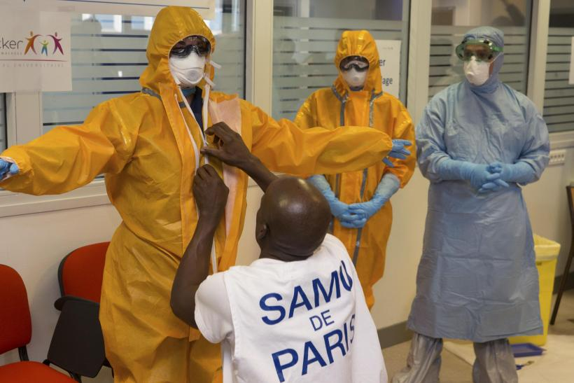 Kimberly-Clark's Surgical Gowns Fail Ebola Protection: Lawsuit