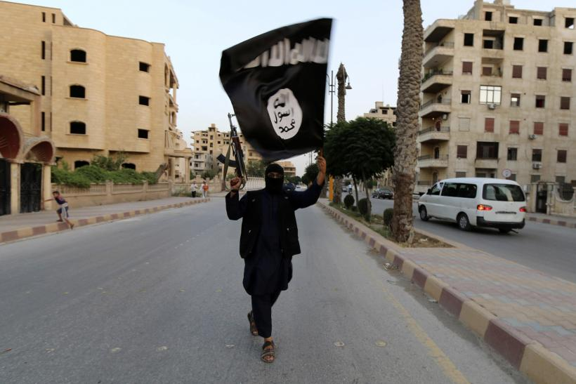 ISIS Executes 100 Foreign Fighters For Trying To Flee Syria